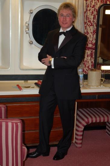Vince stood in Tuxedo 1