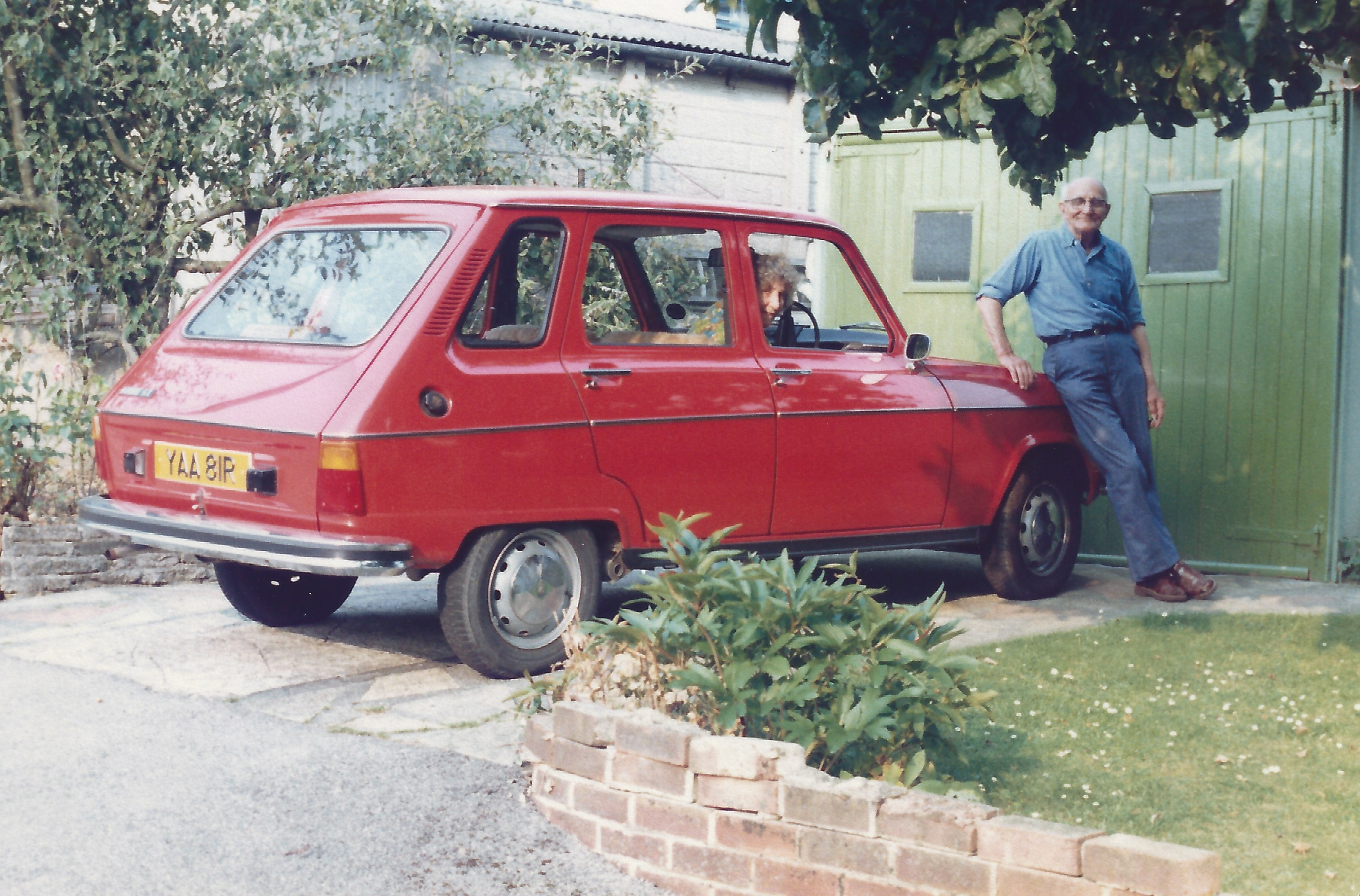 Ern and his Renault 6