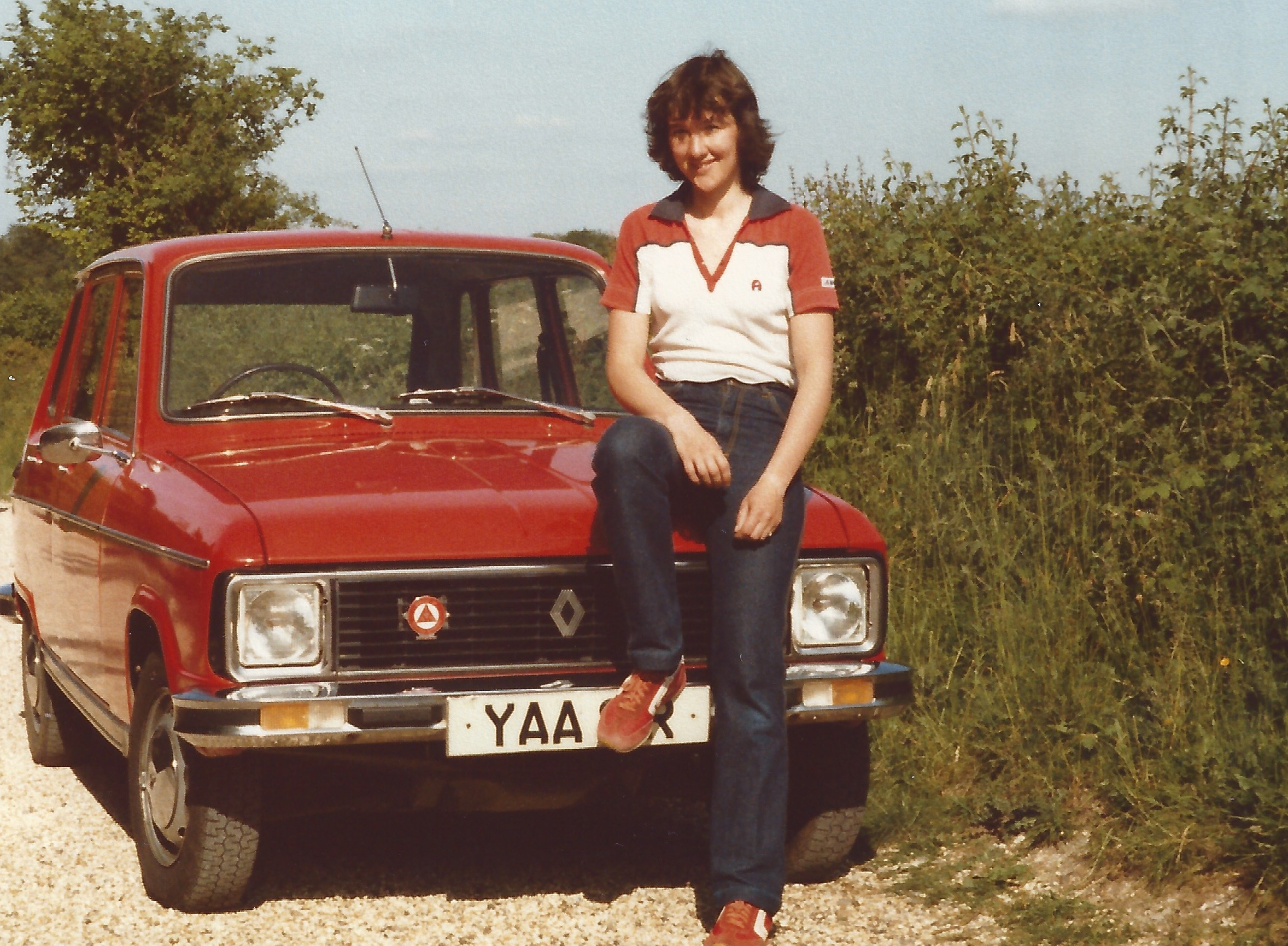 Lynda sat on Renault 6